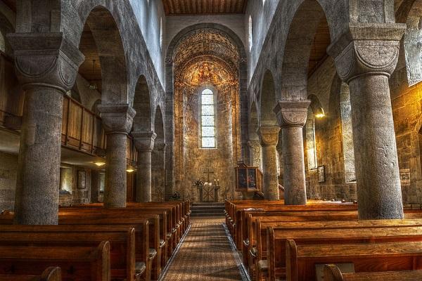 Church-5-9-2017-wikimedia