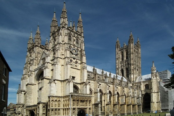 1024px-Canterbury_Canterbury_cathedral_01