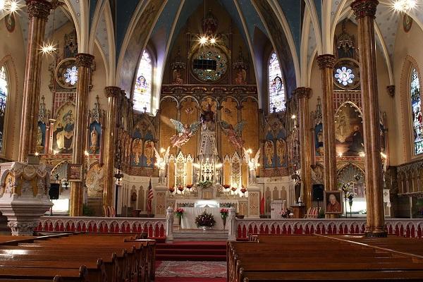 1024px-St_Albertus_Catholic_Church_Detroit_Interior
