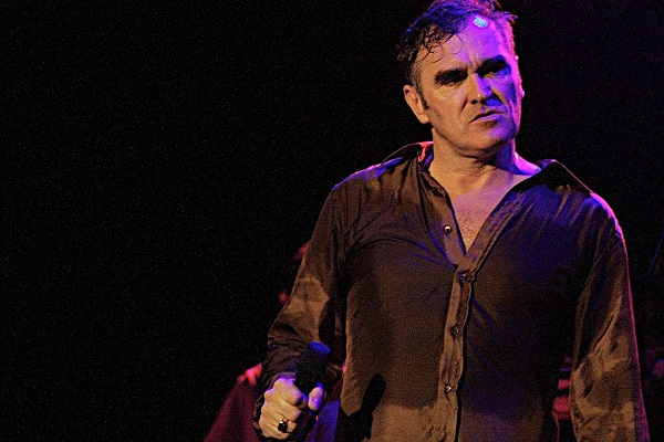 1024px-Morrissey_at_La_Zona_Rosa_-_SXSW_2006