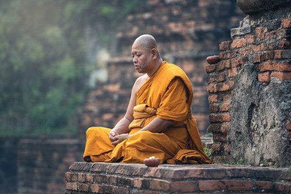 buddhist-1807526_640-600x400