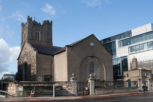 1024px-Dublin_St._Michans_Church_at_Church_Street_2012_09_28